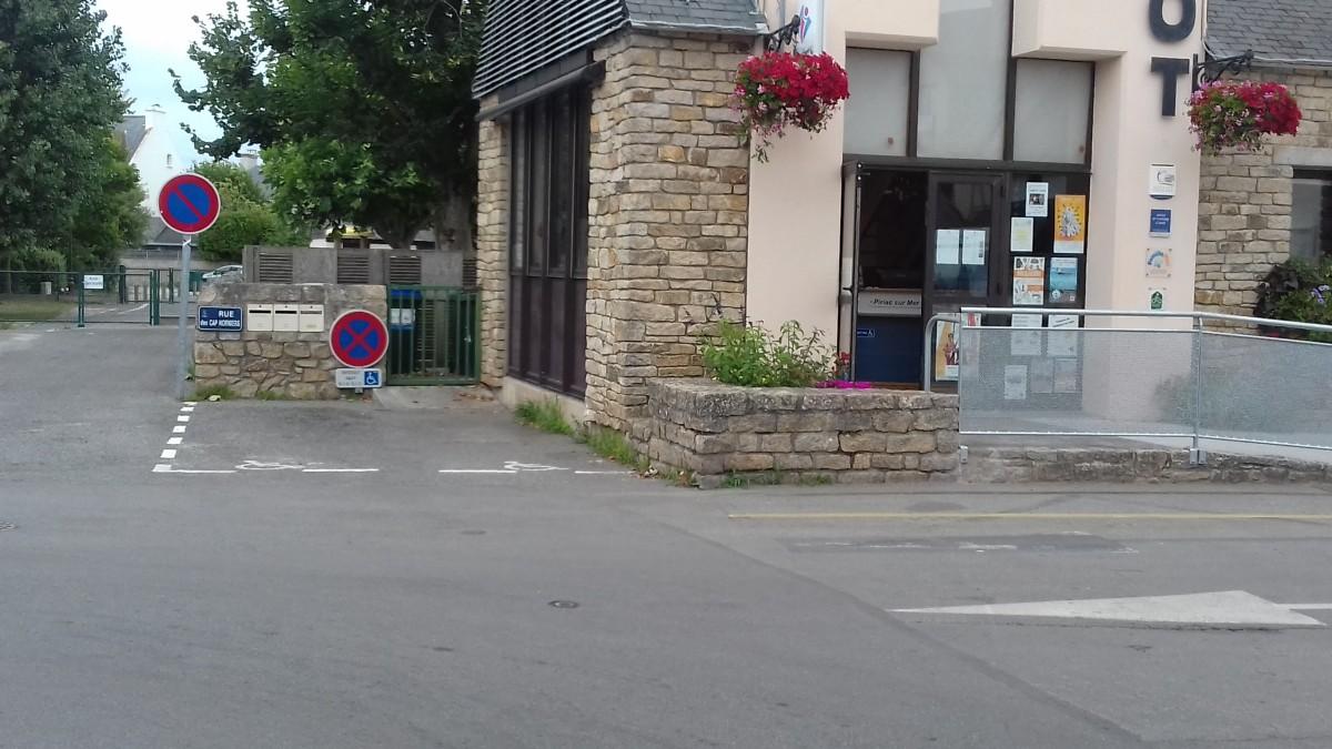 Parkings et stationnements réservés