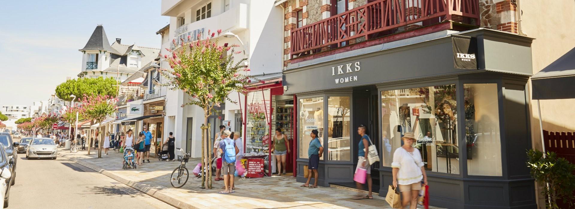 Shopping - Avenue de Gaulle La Baule - Alexandre Lamoureux