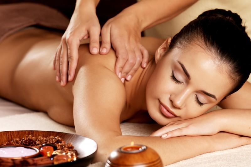Pause thalasso et bien-être à La Baule - Massage - Valua Vitaly - Fotolia.com