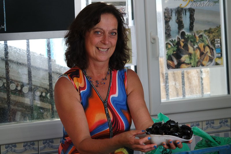 Muriel, Muschelzüchterin in Pénestin