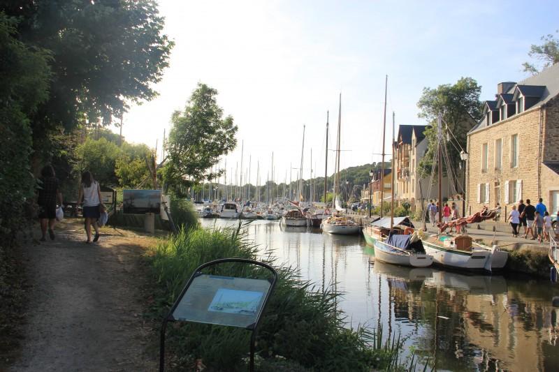 Balade le long du port à La Roche-Bernard