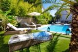 chambre-d-hote-la-baule-le-pouliguen-guerande-piscine-soleil-jardin-exotique-detente-calme-luxe-haut-de-gamme-guest-and-house-1584494