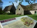 Un sentier d'interprétation jalonne le village de Kerhinet
