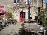 Guérande, intra-muros, proche collégiale, pizzéria-crêperie Le Logis, entrée