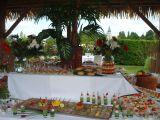 Buffet composé de verrines, amuse-bouches et autres douceurs