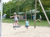 camping-municipal-le-pouliguen-les-mouettes-balancoire-enfants