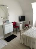 Chambre d'hôtes - Guérande - Chez Huguette - Coin salle d'eau de la chambre blanche