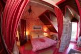 Chambre rouge , Manoir des 4 Saisons à La Turballe, Crédit A Drean