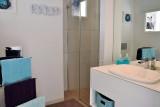 Chambres d'hôtes Les Embruns au Pouliguen, salle de bain de la chambre Plage du Nau