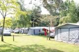 Guérande Camping le Panorama proche marais salants, allée et emplacements tentes et caravanes