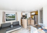 8-Guérande Camping Le Bréhadour - Mobil-home Grand family espace Privilege - cuisine et salon