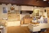 Intérieur de la chaumière des saveurs et de l'artisanat - Village de Kerhinet - Parc Naturel régional de Brière