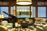 La Baule - Hôtel Barrière Le Royal - Salon piano avec vue piscine