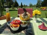 petit dejeuner extérieur chambres d'hôtes