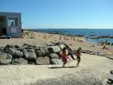 Plage de Ker Elisabeth à La Turballe, poste de secours et accès à la plage de sable fin