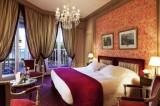Relais chateau Castel Marie grande chambre tout confort