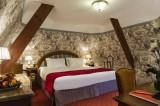 Relais chateau Castel Marie Louise chambre mansardée