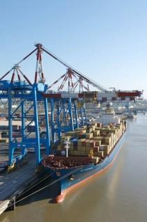 01 - Nantes Saint-Nazaire Port - Premier port de la façade atlantique française - Le Port de tous les Voyages