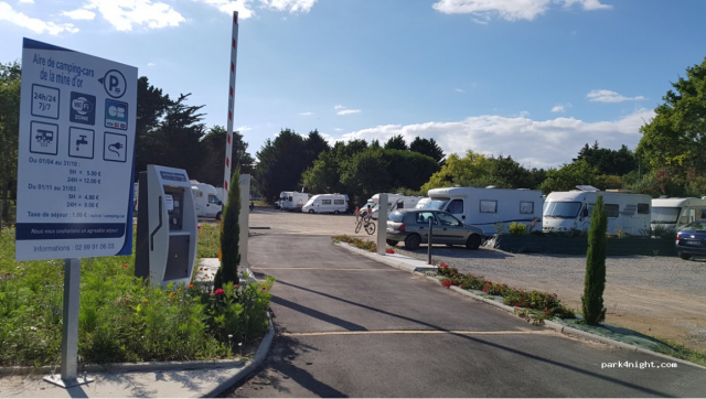 AIRE DE CAMPING CAR DE LA MINE D'OR PENESTIN