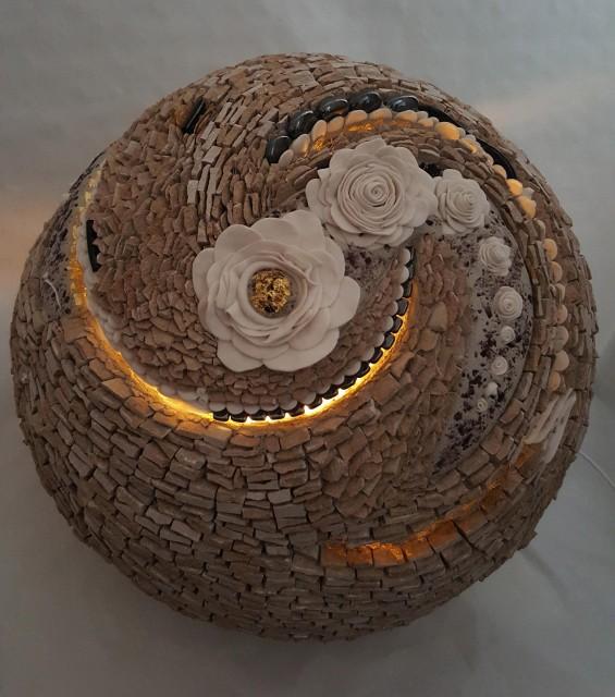 01_Atelier Galerie Sophia Rancatore, Guérande - Fleur lumineuse d'ambiance