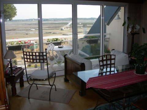 01-Chez Mme Legal, chambre d'hôtes proche de l'océan atlantique en Brière- Salle vue mer