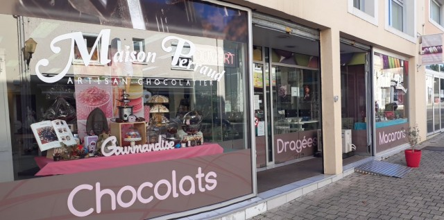 vitrine chocolaterie Perraud