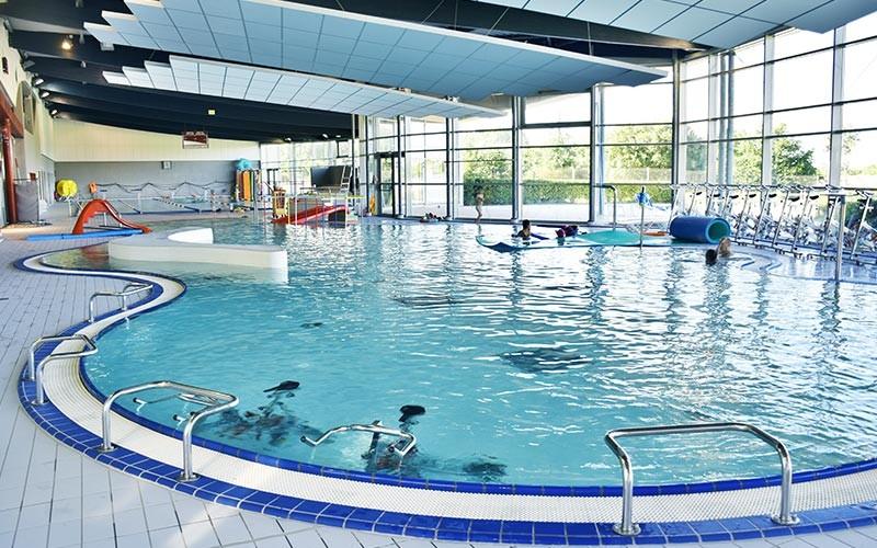 centre aquatique jean pierre dhonneur piscine piscine aqualudique guerande. Black Bedroom Furniture Sets. Home Design Ideas