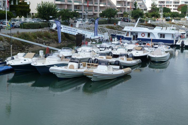 01-Presqu'île Locations, sur le port du Pouliguen, locations de bateaux à moteur et jets-ski
