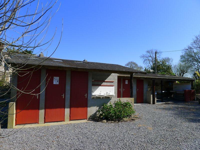 Assérac - Camping à la ferme - ferme d'Isson en Brière et proche de l'océan atlantique -Douches et WC