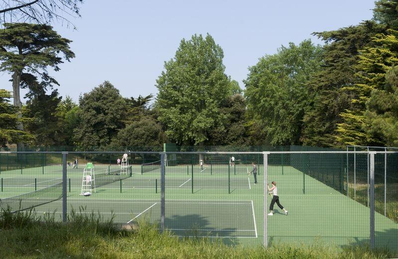 Bois du Pouliguen, court de tennis