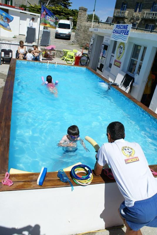 Club mickey les crevettes piscine club de plagejeux for Piscine cours de natation