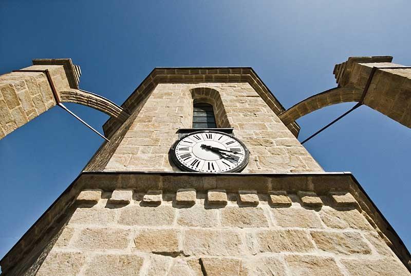 Détail des contreforts de la Tour Saint-Guénolé