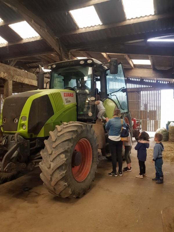 Ferme bio Lait Prés Verts - tracteurs - Guérande