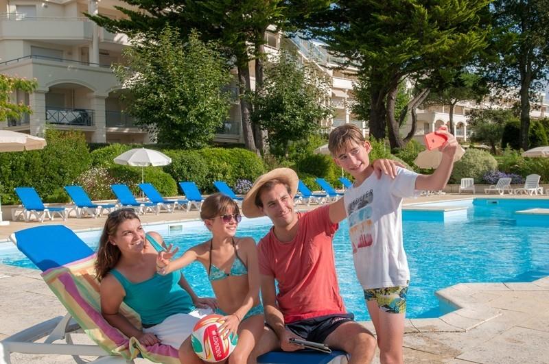 Goélia Résidence Royal Park - La Baule - Profiter de la piscine en famille