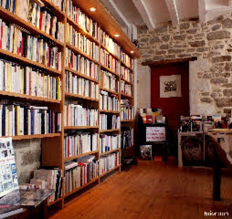 Guérande Cité Médiévale Librairie L'Esprit Large