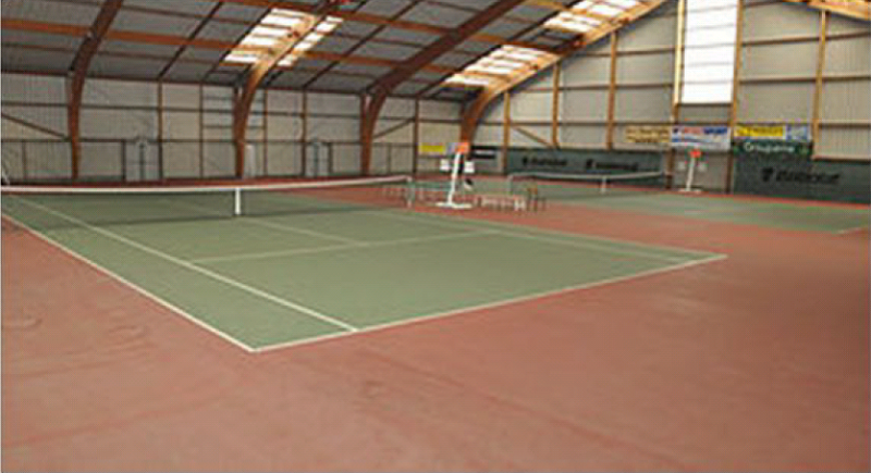 Guérande, tennis: Le Tennis Club Guérandais - Interieur salle