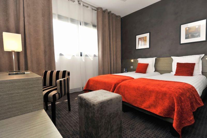 Hôtel Best Western Hôtel de la Cité & Spa*** - Guérande - Chambre twin  rouge