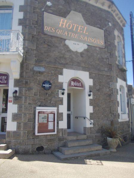 01-Hôtel Guérande Les Quatre Saisons Proche Remparts