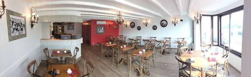 Restaurant Le Bateau Ivre sur le port du Pouliguen - salle à l'étage