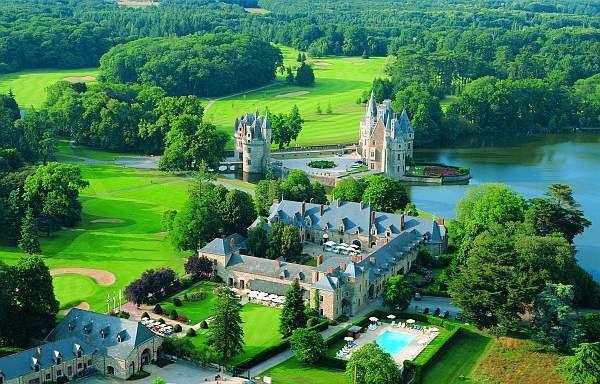 Vue aérienne du château de La Bretesche