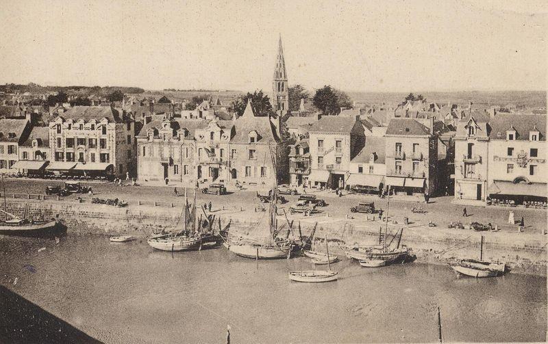 carte-postale-ancienne-vue-générale-du-Pouliguen-archives-municipales-du-Pouliguen