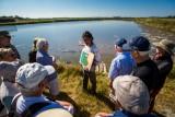 Rencontre avec un paludier des marais salants du Mès à Assérac - CRT Bretagne