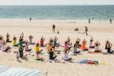Yoga sur la plage - Plage de La Baule