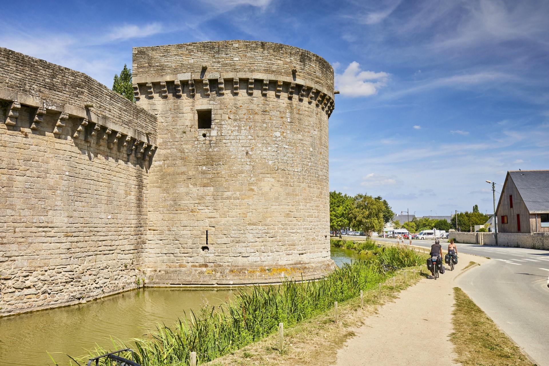 A vélo le long des remparts de Guérande
