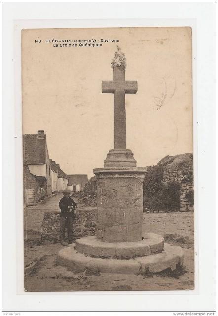 Croix du village de Quéninen