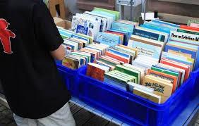 Vente de livres à la médiathèque de Pénestin