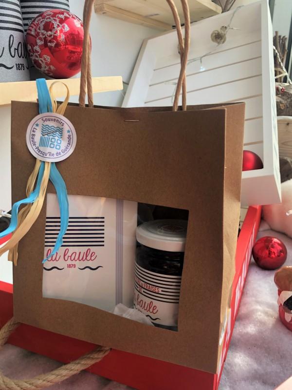 Boutique en ligne - confiture de fraises Burban et petit carnet- Office de Tourisme La Baule presqu'île de Guérande.