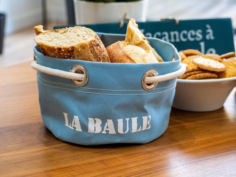 Boutique en ligne - corbeille La Baule bleu clair - Office de Tourisme La Baule Presqu'île de Guérande