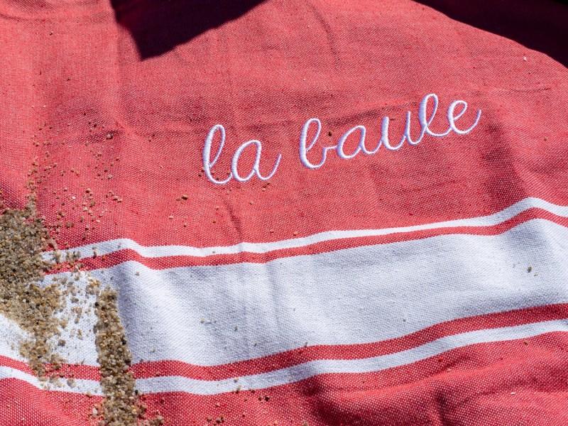 Boutique en ligne - Fouta La Baule corail - Office de Tourisme La Baule Presqu'île de Guérande