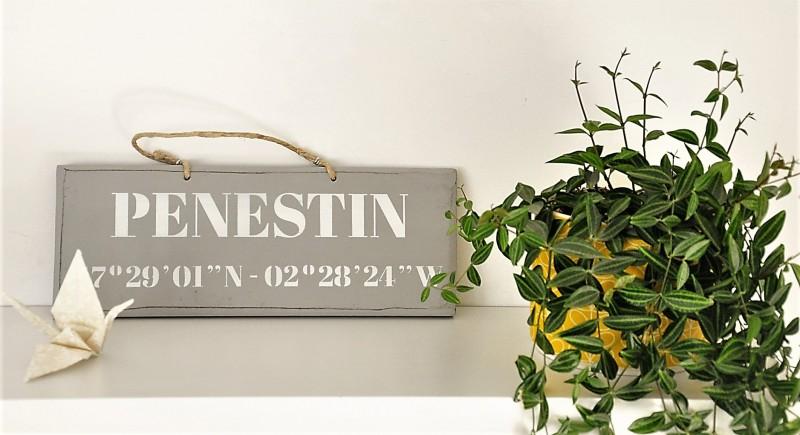 Boutique en ligne - pancarte Pénestin Latitude gris clair - Office de Tourisme La Baule Presqu'île de Guérande